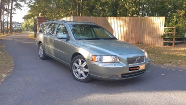 2006 Volvo V70 2.4 D5 SE Geartronic for sale by Woodlands Cars (6)